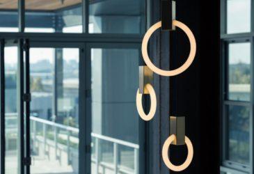 Галогенная лампа студии Мэтью Маккормика