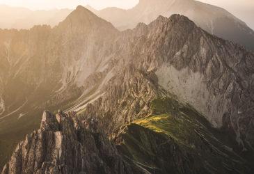 Невероятные горы в фотографиях Тома Клокера